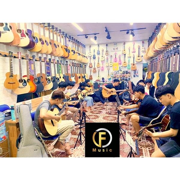 lớp dạy đàn guitar biên hòa